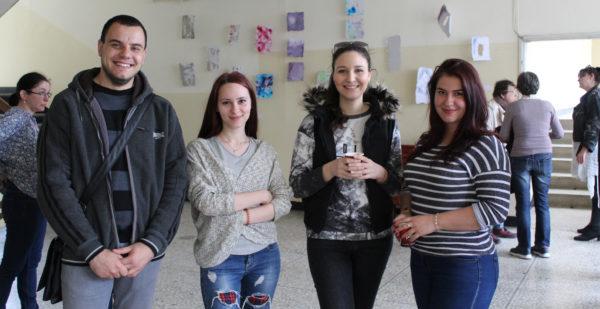 """От откриването на изложбата """"ХартАрт"""" на студенти от магистърска програма """"Графичен дизайн"""""""